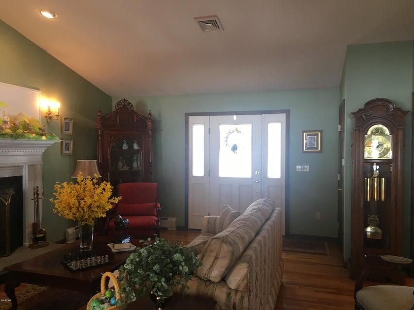 179 Philwood Ln Milford, PA 18337 - MLS #: 18-951