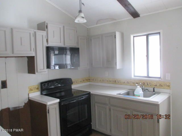 105 Franklin Dr Lords Valley, PA 18428 - MLS #: 18-807