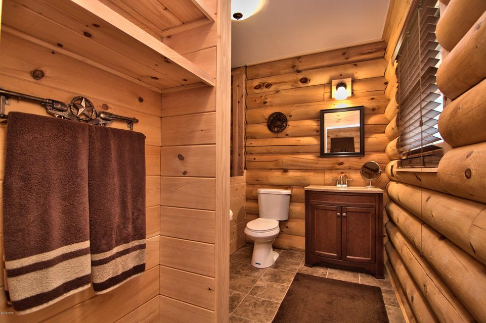 115 Clubhouse Dr Hawley, PA 18428 - MLS #: 18-1221