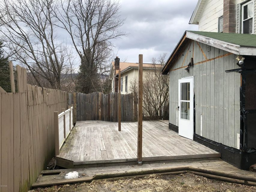 13 Maple Ave Carbondale, PA 18407 - MLS #: 18-113