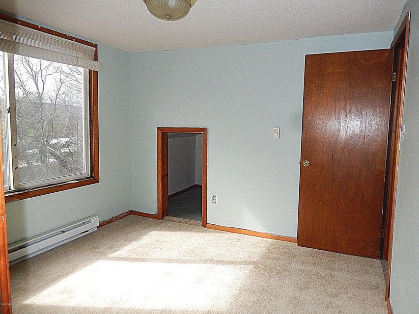 355 Ridge Ave Hawley, PA 18428 - MLS #: 18-1340