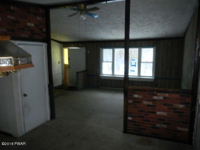 124 Laurel Dr Dingmans Ferry, PA 18328 - MLS #: 18-1342