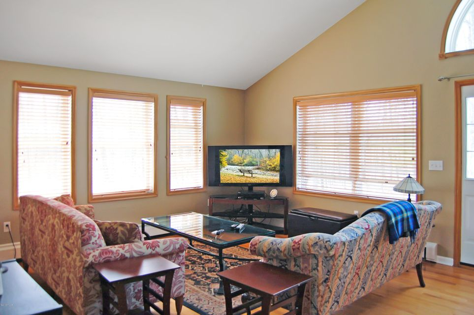 294 Water Forest Dr Dingmans Ferry, PA 18328 - MLS #: 18-1398