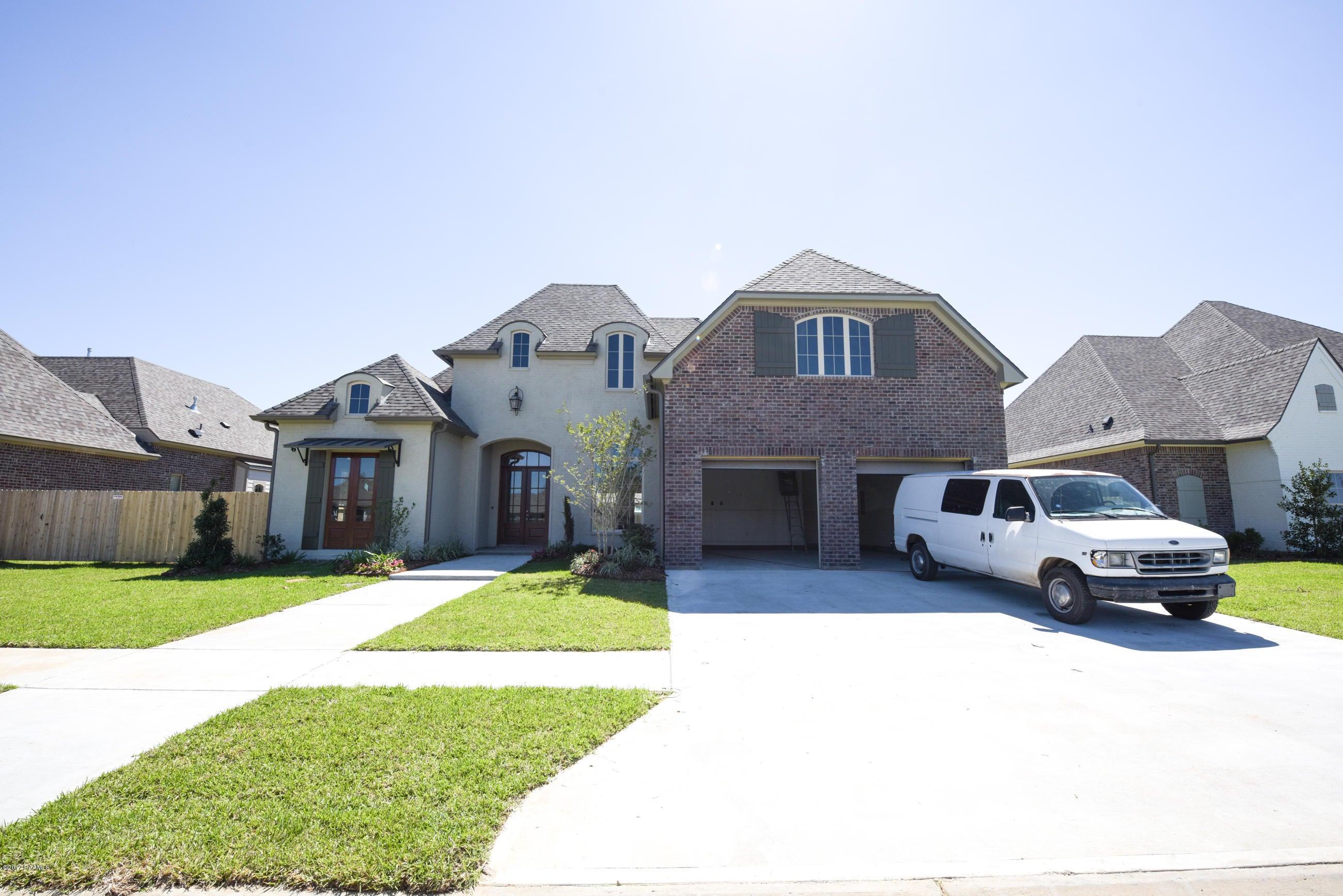 305 Sylvester Drive, Youngsville, LA 70592