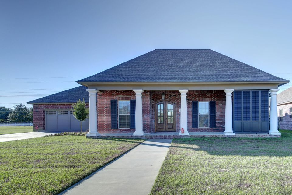 105 Henry James, Youngsville, LA 70592
