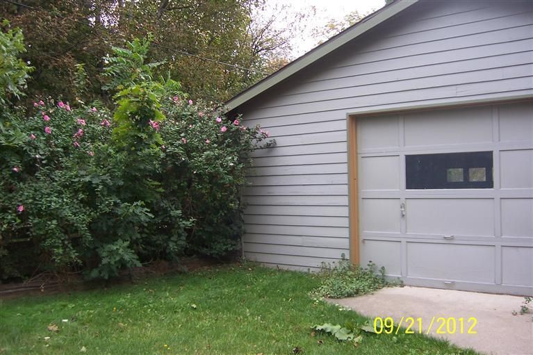 Additional photo for property listing at 421 First 421 First Manistee, Michigan 49660 United States