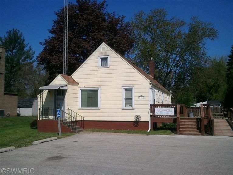 1413 Napier, Benton Harbor, MI 49022