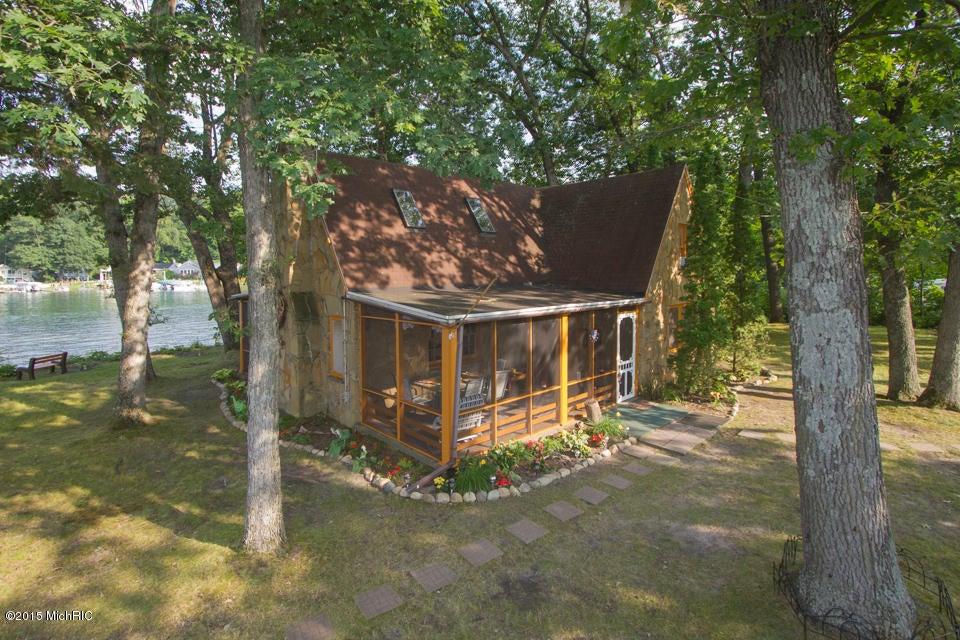 1309 W Gull Lake Drive