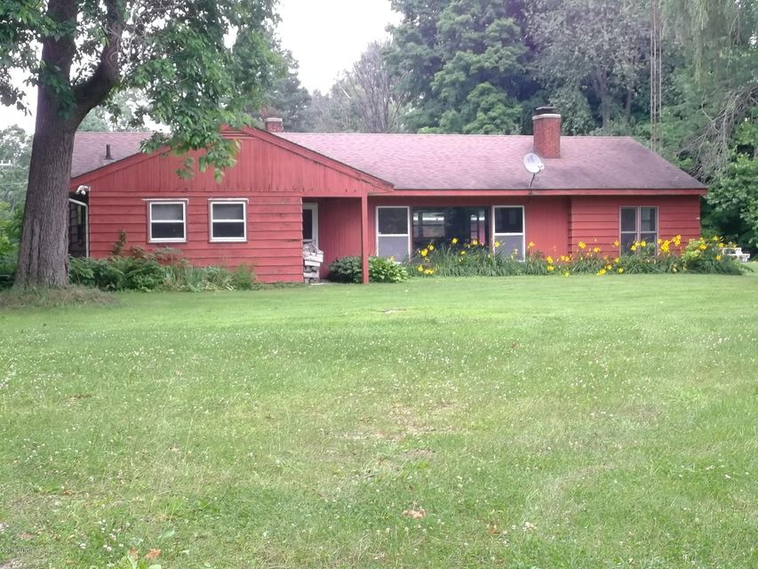 Single Family Home for Sale at 9327 Red Arrow Watervliet, Michigan 49098 United States