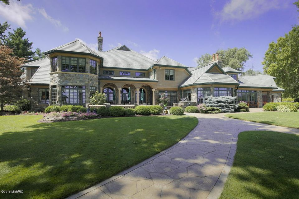 Additional photo for property listing at 555 Maple Knoll  Coldwater, Michigan 49036 United States
