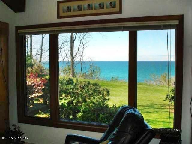 Additional photo for property listing at 2624 Lakeshore  Manistee, Michigan 49660 United States