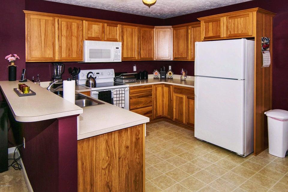 Cobblestone Kitchen Floor 1084 Cobblestone Road Holland Mi 49423 Greenridge Realty Inc
