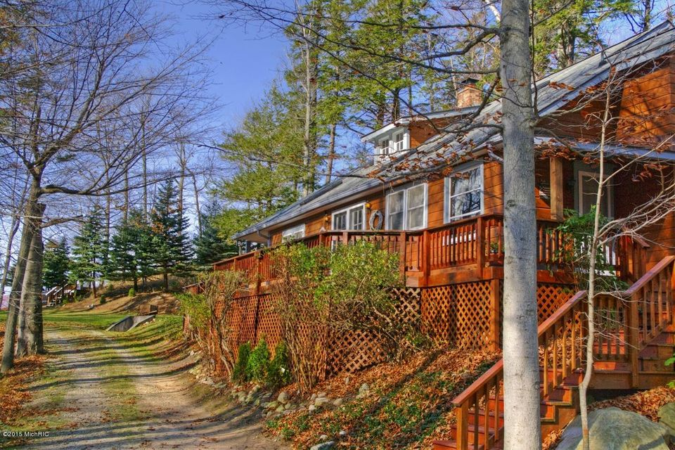 Additional photo for property listing at 7002 Lakeshore  Manistee, Michigan 49660 United States