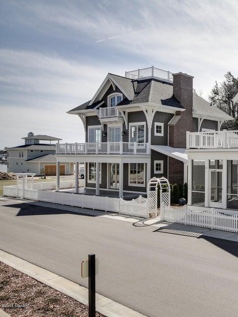 独户住宅 为 销售 在 2394 Interlake Macatawa, 密歇根州 49434 美国