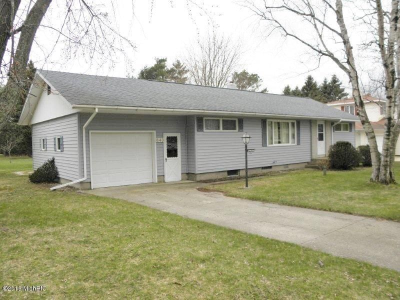 Single Family Home for Sale at 643 Elliott Manistee, Michigan 49660 United States