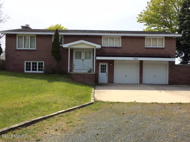 Single Family Home for Sale at 703 Lakeshore Ludington, Michigan 49431 United States