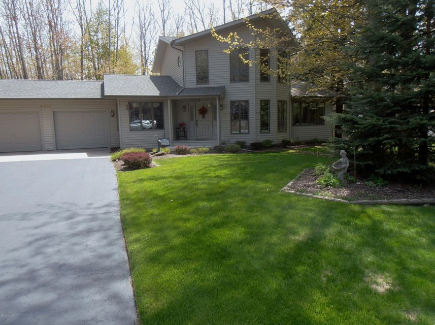 Single Family Home for Sale at 4455 Fox Farm 4455 Fox Farm Manistee, Michigan 49660 United States