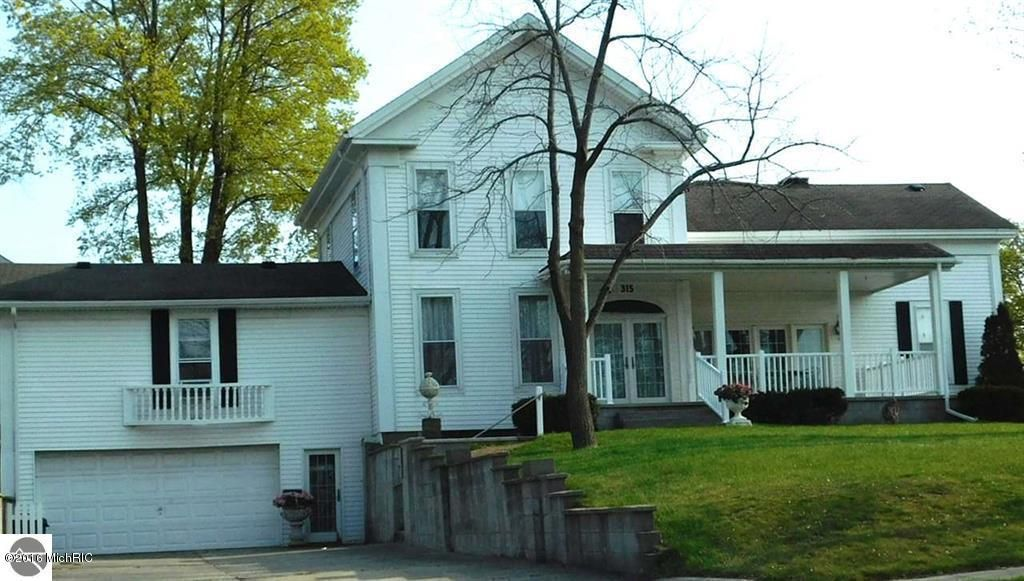 Single Family Home for Sale at 315 Fifth Manistee, Michigan 49660 United States