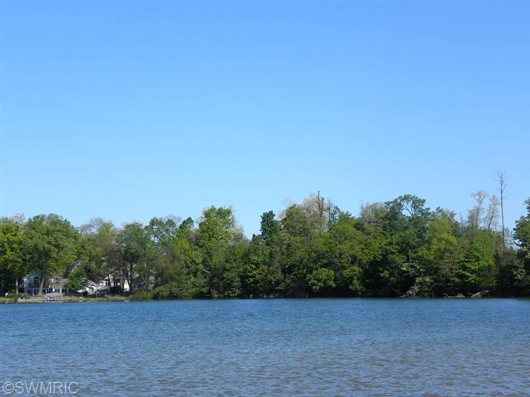 5 Lakeshore Drive
