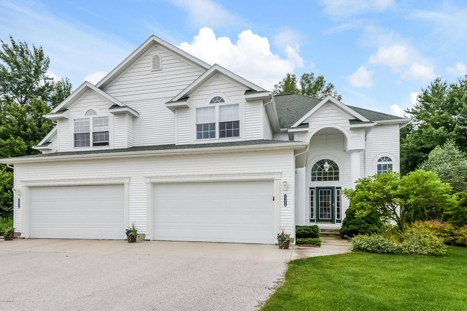 Single Family Home for Sale at 15016 Saddlebrook Spring Lake, Michigan 49456 United States