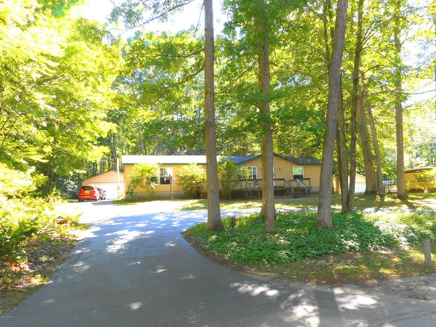 Single Family Home for Sale at 4881 Ford Lake Road Fountain, Michigan 49410 United States