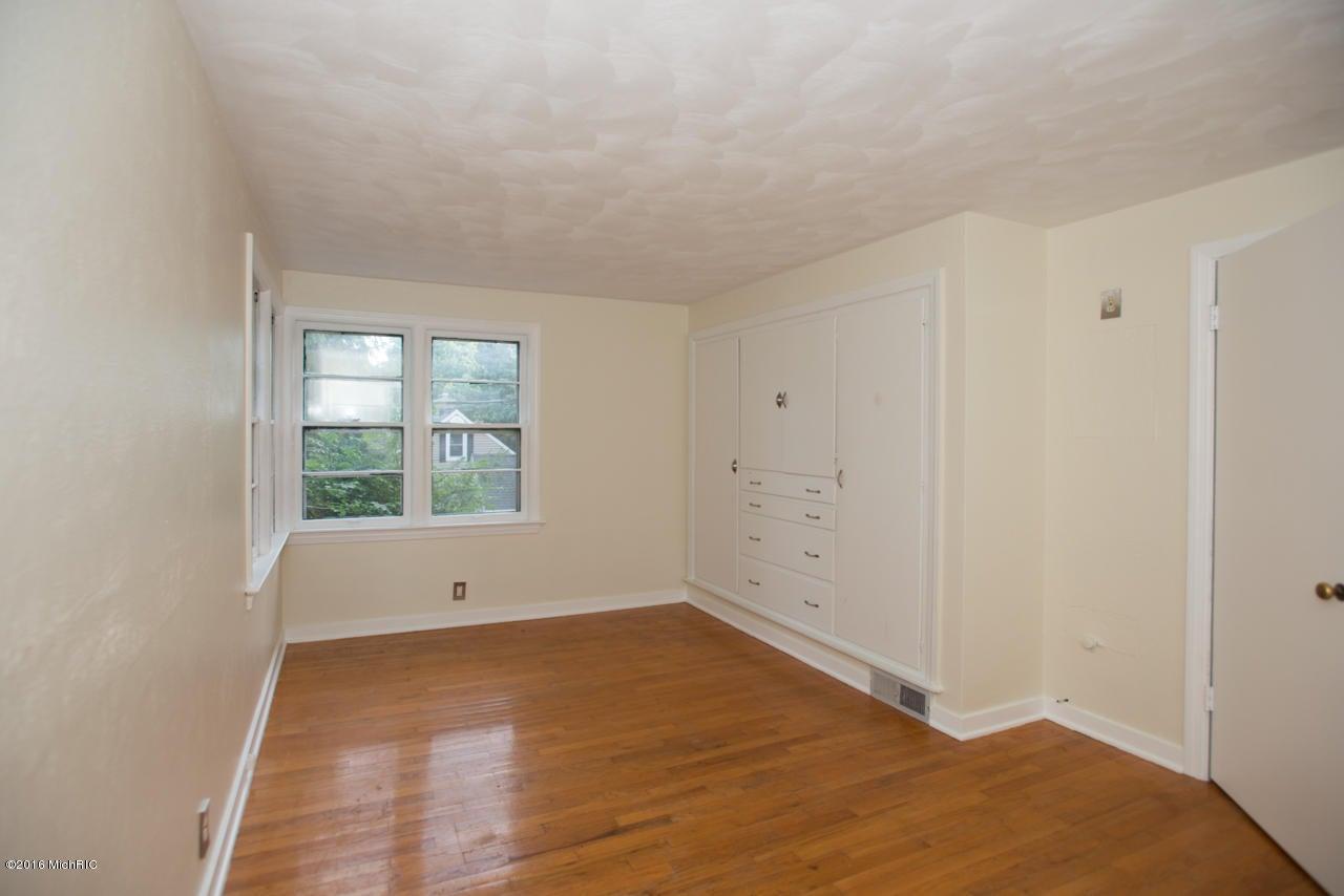 5478 parkview avenue kalamazoo mi 49009 sold listing for Hardwood floors kalamazoo