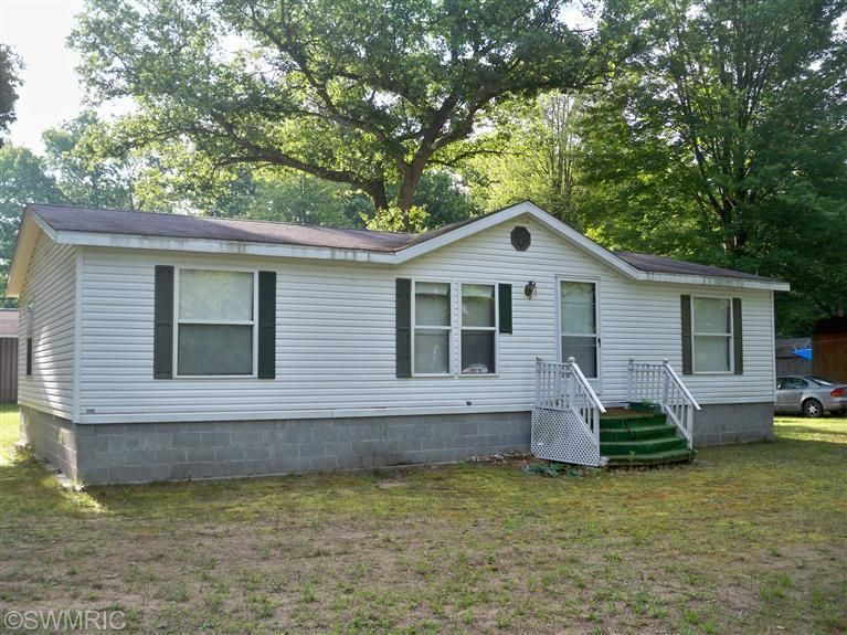 Single Family Home for Sale at 232 Gibson 232 Gibson Fountain, Michigan 49410 United States