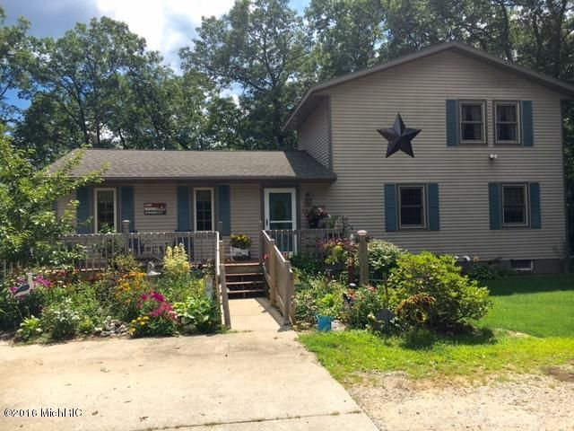 Single Family Home for Sale at 4035 Evanston Muskegon, Michigan 49442 United States