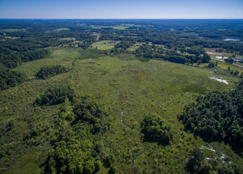 4444 s cedar creek creek hastings mi 49058 sold for Cedar creek