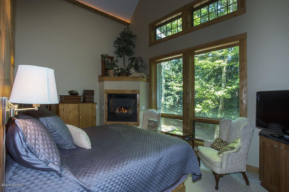 Additional photo for property listing at 6290 Scenic Woods  Muskegon, Michigan 49445 United States