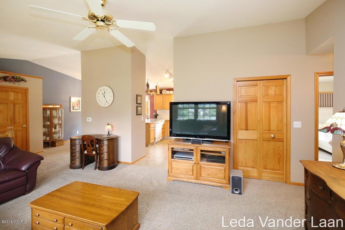 3773 Bennington Drive Cedar Springs MI 49319 SOLD