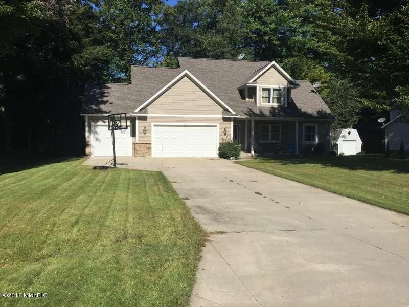 Single Family Home for Sale at 6701 Beech Creek Fruitport, Michigan 49415 United States