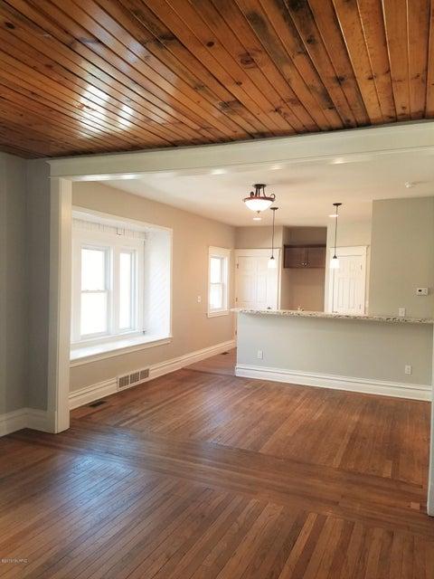 1407 clinton avenue kalamazoo mi 49001 sold listing for Hardwood floors kalamazoo