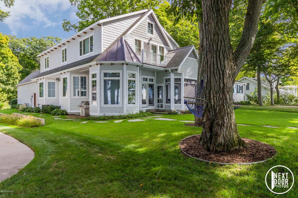 $1,899,000 - 4Br/4Ba -  for Sale in Holland