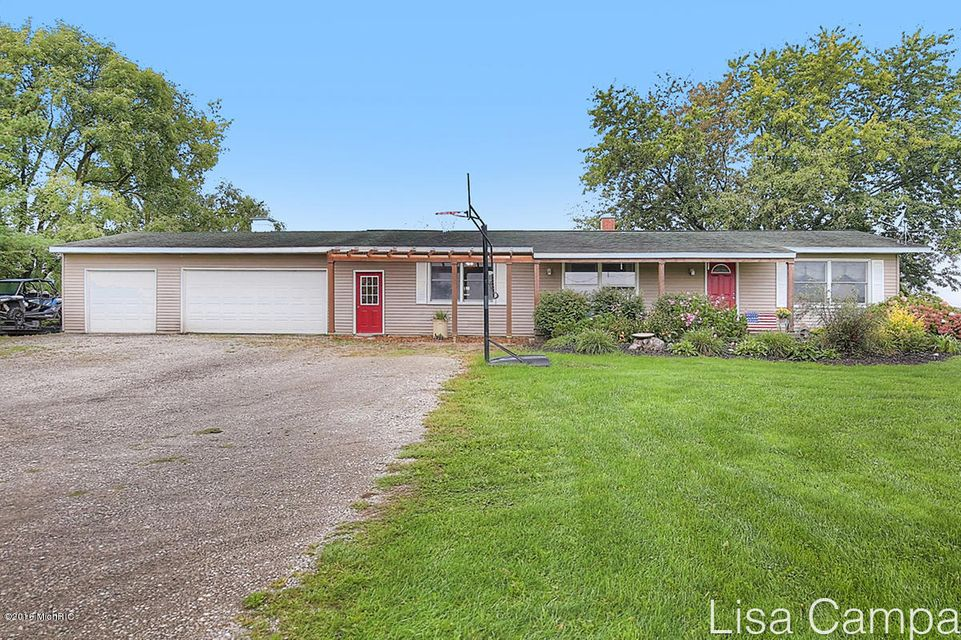 Single Family Home for Sale at 17069 56th Coopersville, Michigan 49404 United States