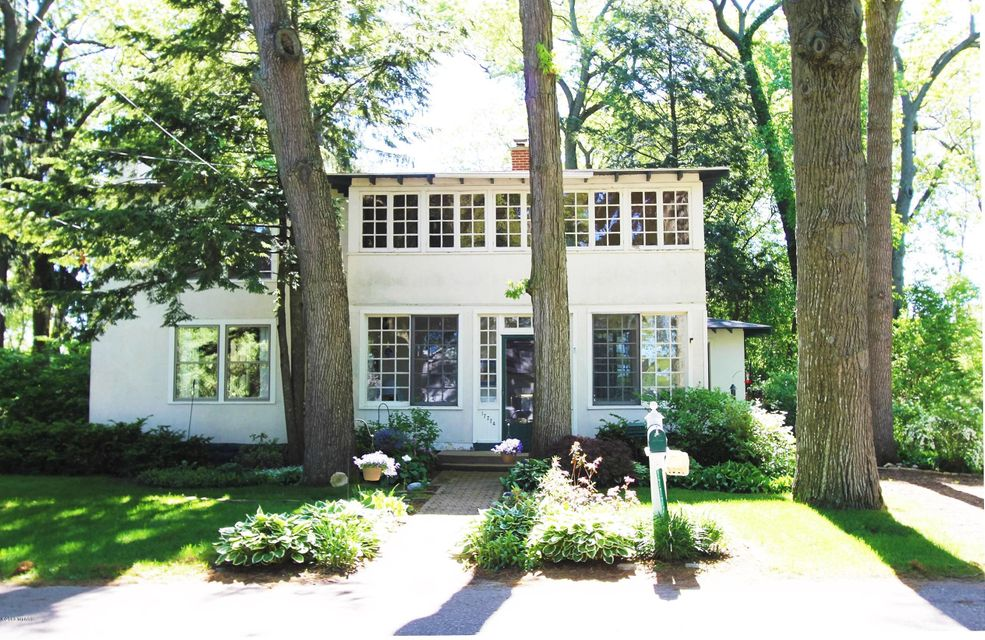 Single Family Home for Sale at 17774 Oakwood Spring Lake, Michigan 49456 United States