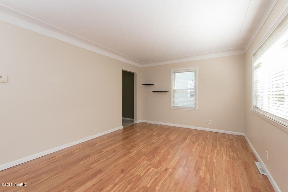 222 fairview avenue kalamazoo mi 49001 sold listing for Hardwood floors kalamazoo