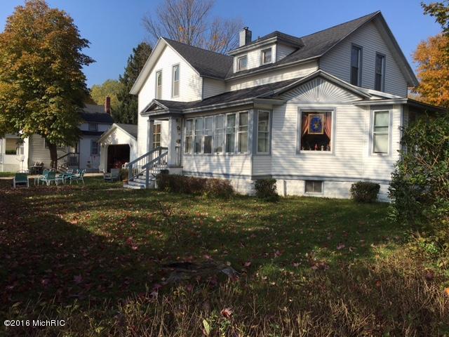 Single Family Home for Sale at 802 Pere Marquette Ludington, Michigan 49431 United States