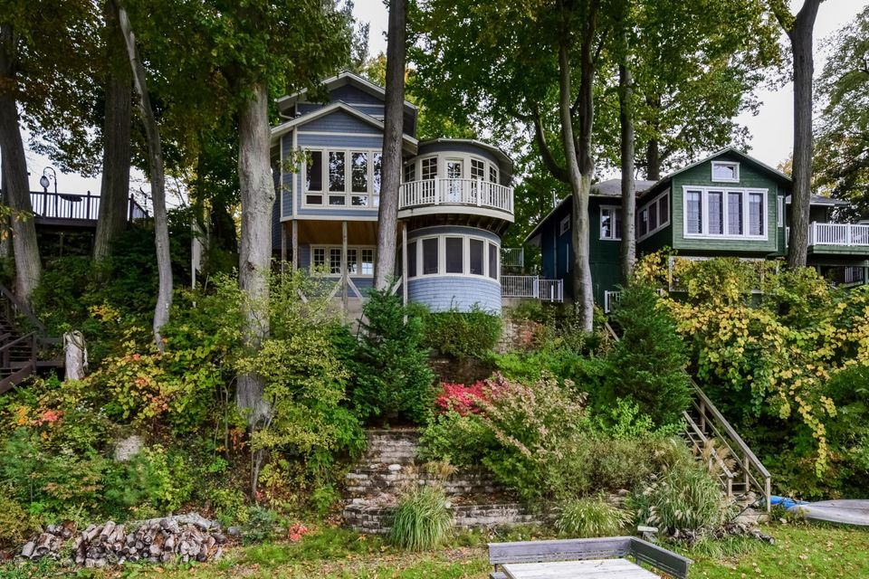 Single Family Home for Sale at 1044 Holland Saugatuck, Michigan 49453 United States