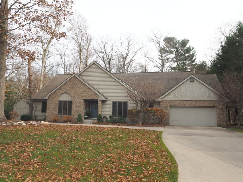 Single Family Home for Sale at 3880 Harbor Point Muskegon, Michigan 49441 United States