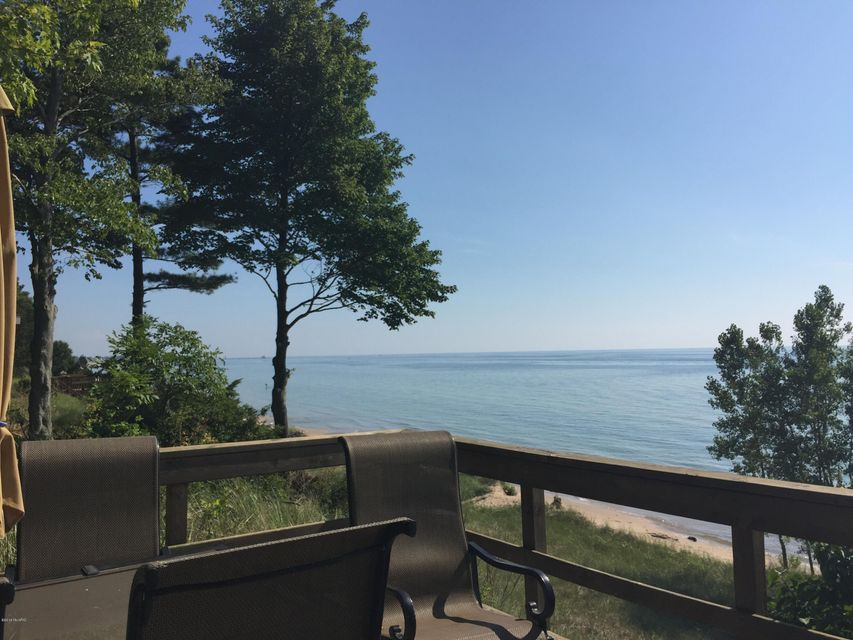 Additional photo for property listing at 17701 North Shore Estates  Spring Lake, Michigan 49456 United States