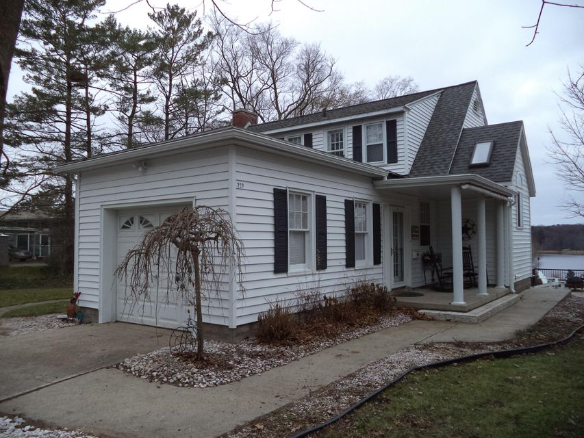 Single Family Home for Sale at 723 Fowler Muskegon, Michigan 49445 United States