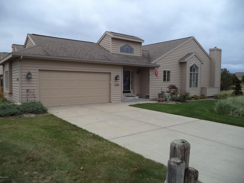 Single Family Home for Sale at 3428 Pigeon Hill Muskegon, Michigan 49441 United States