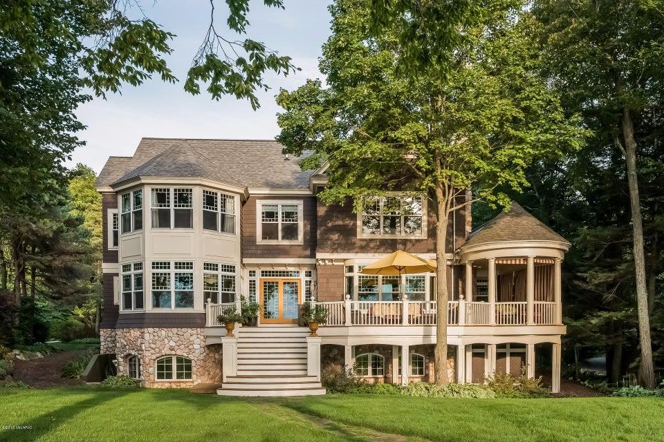 独户住宅 为 销售 在 6059 Lakeshore 6059 Lakeshore 西奥利弗, 密歇根州 49460 美国