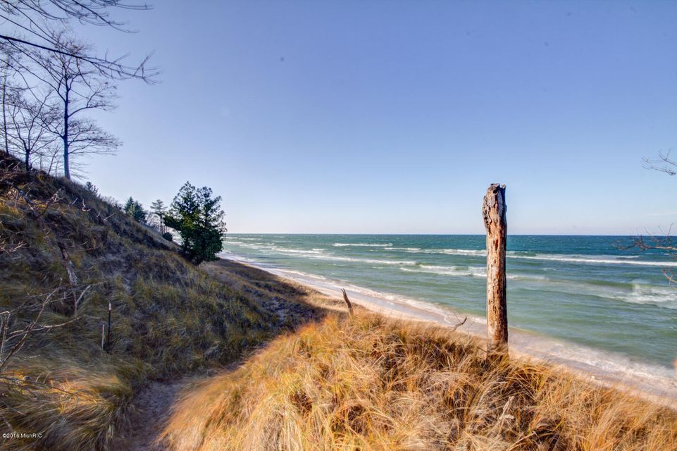 Additional photo for property listing at 4500 Lakeshore  Manistee, Michigan 49660 United States