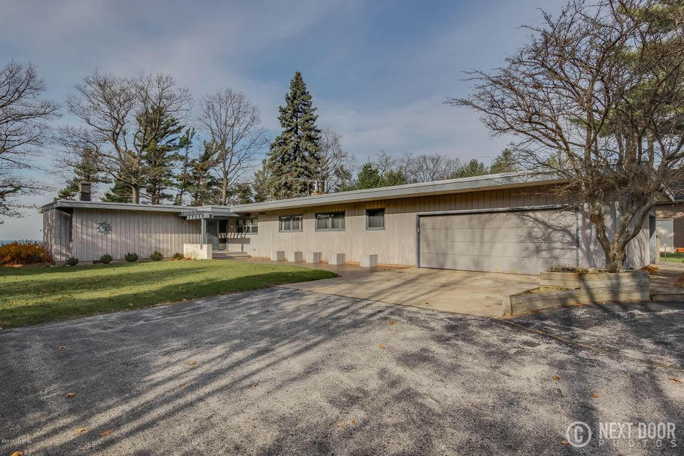 Single Family Home for Sale at 2672 Red Apple Manistee, Michigan 49660 United States