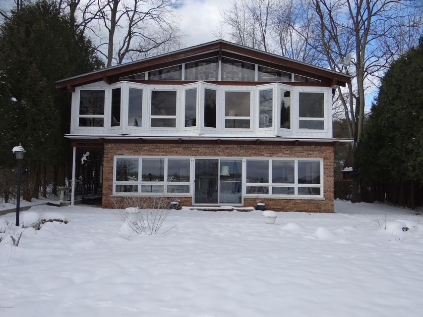 Single Family Home for Sale at 111 Park Saugatuck, Michigan 49453 United States