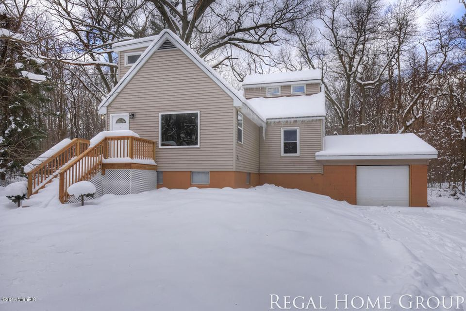 Single Family Home for Sale at 17253 144th Nunica, Michigan 49448 United States