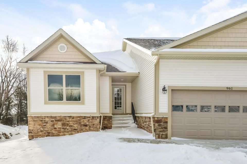 Single Family Home for Sale at 961 Sandalwood Norton Shores, Michigan 49441 United States