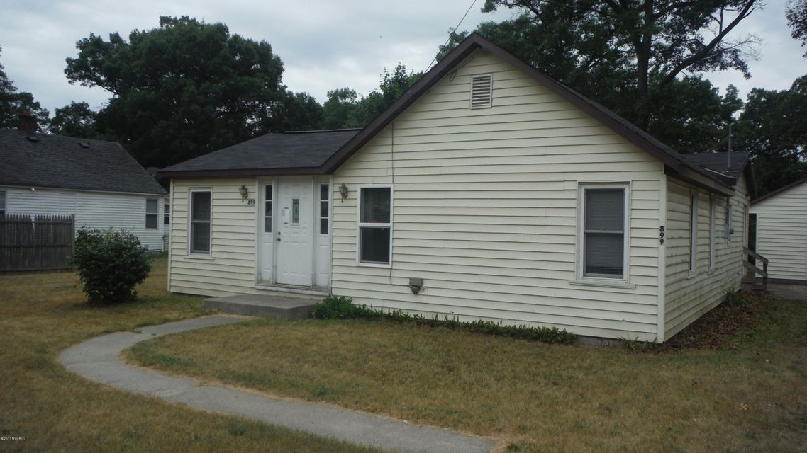 Single Family Home for Sale at 899 CHATTERSON Muskegon, Michigan 49442 United States